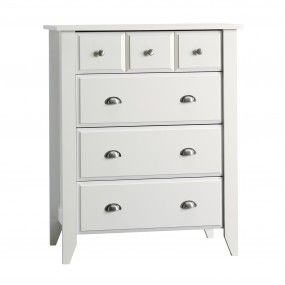 Relaxed Traditional 4-Drawer Dresser